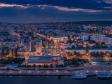 Взгляд с высоты на Саратов и Волгу . Саратовский речной вокзал и улица Московская