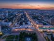 Взгляд с высоты на Саратов и Волгу .  Слева ул. Киселева, справа Московская, в центре областная научная библиотека.