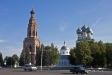 莫斯科郊区教堂. Собор Михаила Архангела является образцом архитектуры 18 столетия, т.к. он почти не изменился с того времени.  Храм был построен и освящен в 1705 году. В советское время он был закрыт, и здание долгое время использовалось под архив. Но в конце 1980-х гг храм был возвращен верующим. В  1990 было совершено первое Богослужение.