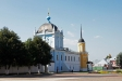 莫斯科郊区教堂. Покровская церковь была возведена в 1680-е гг. В 1770-1780-е гг.церковь перестраивается, предстает в готическом стиле. В начале 19 века в это здание переезжает братия Голутвина монастыря. В советское время церковь была закрыта. Здание использовалось под производственный цех, затем – под художественную мастерскую. В 1989 году церковь вернули верующим. Проводится реставрация здания.
