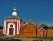 莫斯科郊区教堂. Часовня Иверской иконы Божией Матери была построена в 1853 году  в Серпухове у въезда в город. В советское время ее закрыли. В настоящее время действует.
