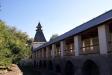 Астраханский кремль. Глухая Архиерейская башня расположена в юго-восточном углу кремля. Название получила по находящемуся рядом Архиерейскому подворью. Построена в 1843 г. без соблюдения прежних архитектурных форм, на месте разрушенной в 1825 г. предшественницы. Башня квадратная, четырехъярусная. Ее площадь 8,4 х 8,4 м, высота 15 м, толщина стен 112 см.