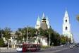 阿斯特拉罕克里姆林宫. Глухая Архиерейская башня расположена в юго-восточном углу кремля. Название получила по находящемуся рядом Архиерейскому подворью. Построена в 1843 г. без соблюдения прежних архитектурных форм, на месте разрушенной в 1825 г. предшественницы. Башня квадратная, четырехъярусная. Ее площадь 8,4 х 8,4 м, высота 15 м, толщина стен 112 см.