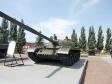 Парк Победы. Основной боевой танк, главный конструктор - Л.Н.Карцев. Корпус танка Т-62 сварен из гомогенных броневых плит толщиной 102 мм. Башня танка литая. Впервые в истории мирового танкостроения в качестве основного вооружения на башне установлена стабилизированная в двух плоскостях 115-мм гладкоствольная пушка, способная вести огонь подкалиберными снарядами со скоростью 1615 м/сек. Для удаления гильз имеется люк в башне. Всего выпущено 20 000 танков.