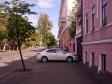 Казань. Когда уже живешь в барском доме, то вопрос расположения автомобиля с заботой о пеших соседях не возникает.