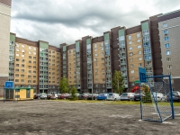 Казань, улица Салиха Батыева, дом 13. многоквартирный дом
