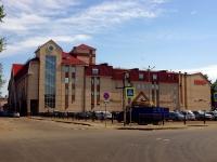 喀山市, 购物中心 МОДНАЯ СЕМЬЯ, Burkhan Shakhidi st, 房屋 17