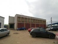 Казань, улица Тази Гиззата, дом 26. многофункциональное здание