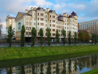 Казань, улица Право-Булачная, дом 47. многоквартирный дом