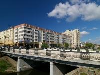 Казань, улица Парижской Коммуны, дом 2. многоквартирный дом