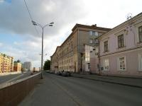 соседний дом: ул. Вишневского, дом 2А. поликлиника Городская поликлиника №2