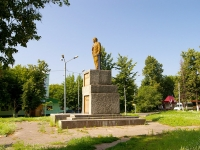 neighbour house: st. Luknitsky. monument В.И.Ленину