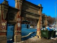 Казань, улица Калинина. малая архитектурная форма ворота