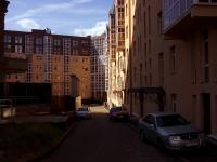 Казань, улица Зои Космодемьянской, дом 4. многоквартирный дом