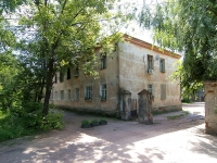 neighbour house: st. Poperechno-Bazarnaya, house 68. Apartment house