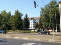 Казань, улица Сибирский тракт, дом 17. многоквартирный дом