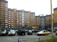 Казань, улица Чистопольская, дом 60. многоквартирный дом