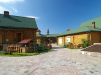neighbour house: st. Tufan Minnulin, house 14. restaurant ТУГАН АВЫЛЫМ, ресторанно-развлекательный комплекс
