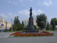 Казань, улица Пушкина. памятник Г. Тукаю