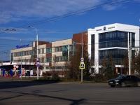 Казань, улица Павлюхина, дом 57 к.1. офисное здание