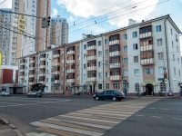 neighbour house: st. Pavlyukhin, house 110. Apartment house