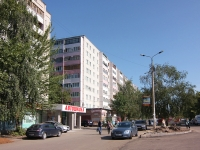 Kazan, Pobedy avenue, house 33. Apartment house
