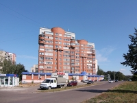 Kazan, Pobedy avenue, house 43. Apartment house