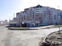 Казань, Победы проспект, дом 172А. многофункциональное здание