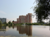 Kazan, Fatykh Amirkhan avenue, house 18. Apartment house