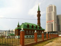 "neighbour house: avenue. Fatykh Amirkhan, house 3 к.2. mosque ""КАЗАН НУРЫ"""