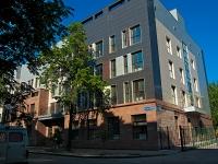 Казань, улица Гоголя, дом 10. многоквартирный дом