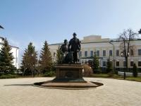 Казань, памятник Зодчим казанского Кремля Кремль, памятник Зодчим казанского Кремля