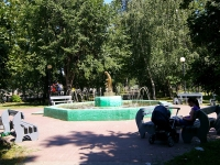 Казань, улица Столярова, фонтан