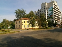 neighbour house: st. Kosmonavtov, house 35. Apartment house