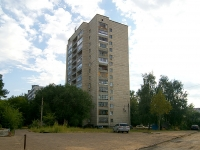 neighbour house: st. Latishskih strelkov, house 27. Apartment house