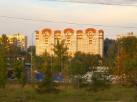 neighbour house: st. Latishskih strelkov, house 31. Apartment house
