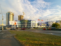 neighbour house: st. Orenburgsky trakt, house 22А. shopping center БАХЕТЛЕ