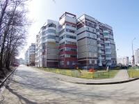 Казань, улица Туганлык, дом 10. многоквартирный дом