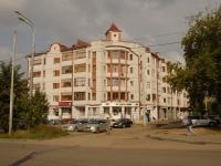 Казань, улица Максимова, дом 33. многоквартирный дом