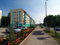 Almetyevsk, Gafiatullin st, house 4. Apartment house