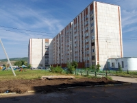 Almetyevsk, Neftyanikov st, house 17. Apartment house
