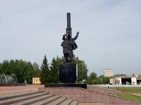 Almetyevsk, monument НефтяникамLenin st, monument Нефтяникам