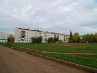 Almetyevsk, avenue Stroiteley, house 17. Apartment house