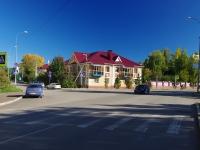 Альметьевск, улица Толстого, дом 15. многоквартирный дом