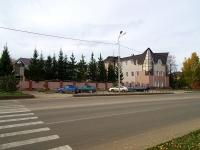 Альметьевск, улица Ризы Фахретдина, дом 2. офисное здание