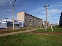 Альметьевск, улица Пугачева, дом 22. жилой дом с магазином