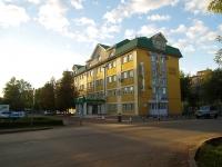 Альметьевск, улица Джалиля, дом 11. офисное здание