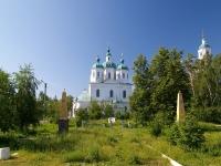 Елабуга, улица Большая Покровская. памятник Героям