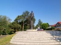 Елабуга, улица Набережная. памятник И.И. Шишкину