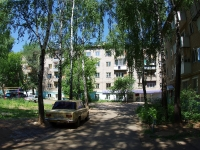 Елабуга, улица Строителей, дом 12. многоквартирный дом